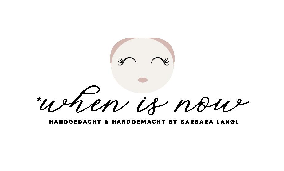 Logo von when is now - dem Online Puppenladen für handgefertigte Puppen