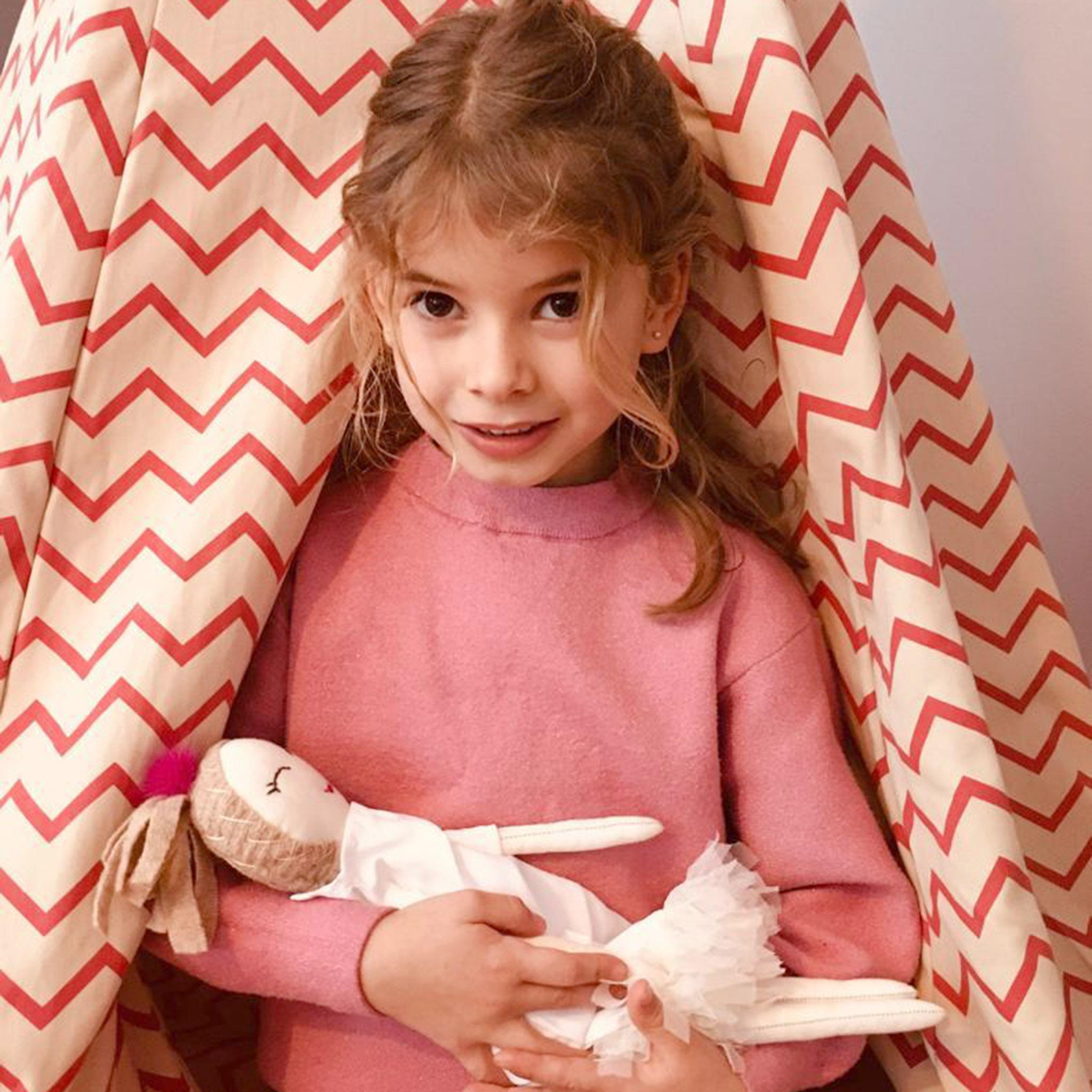 whenisnow - Arantza with favorite doll